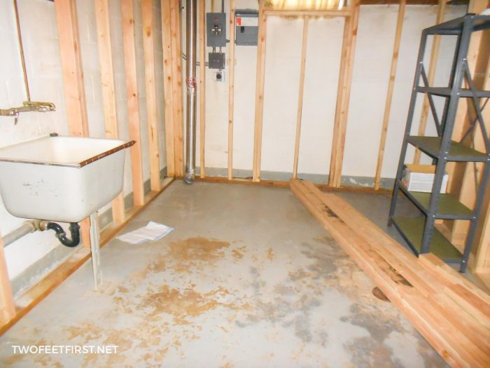 old laundry room before