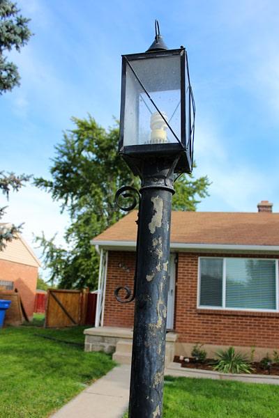 Spray Paint a Light Pole