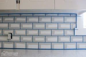 DIY cheap kitchen backsplash by using paint