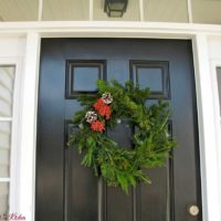 DIY Fresh Clippings Christmas Wreath