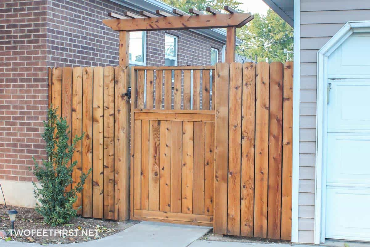 how to build a fence pergola twofeetfirst. Black Bedroom Furniture Sets. Home Design Ideas