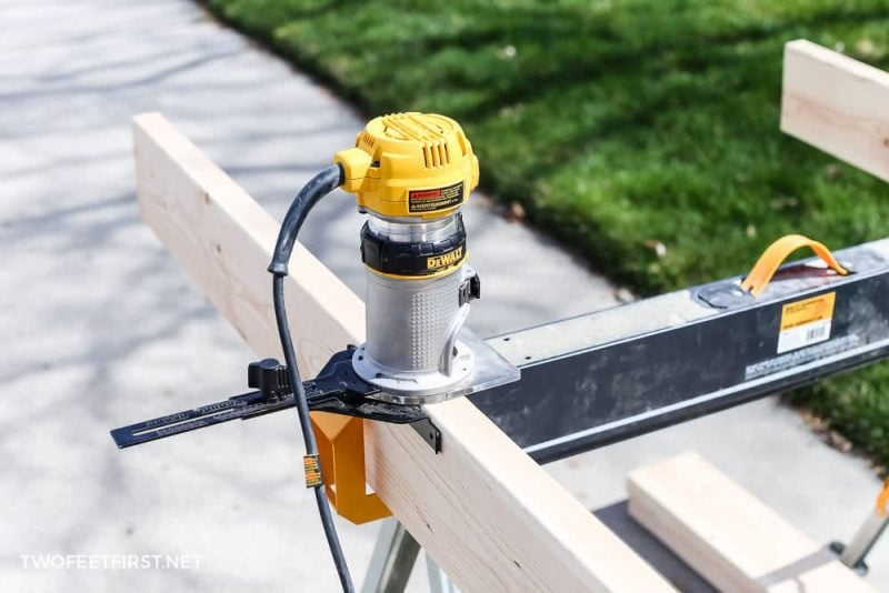 using compact dewalt router