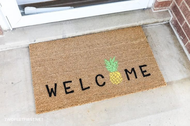DIY welcome pineapple doormat