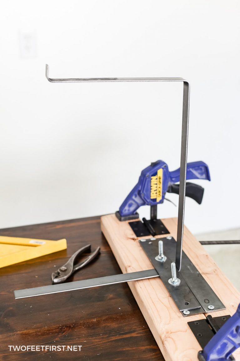How to make metal farmhouse shelf brackets with a lip
