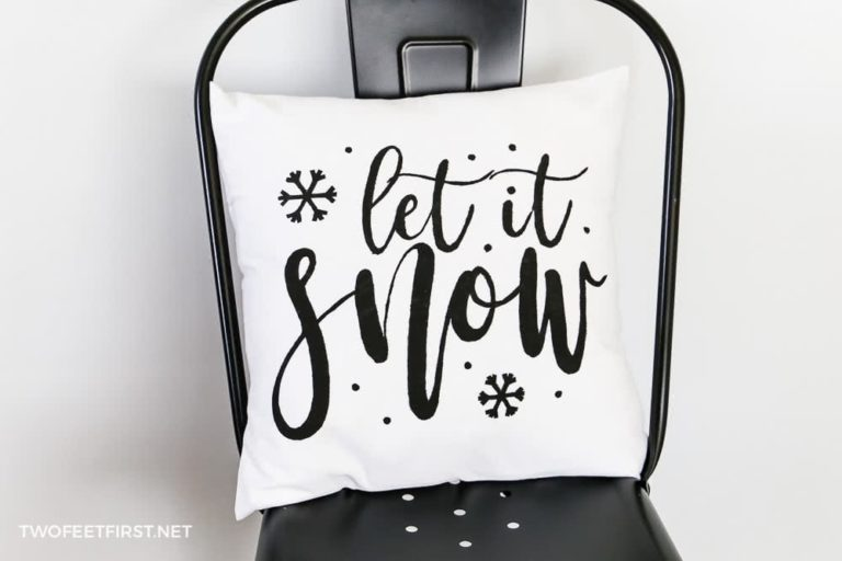 How to make a Let It Snow throw pillow cover