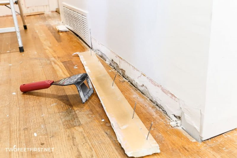 trim puller with baseboard removed