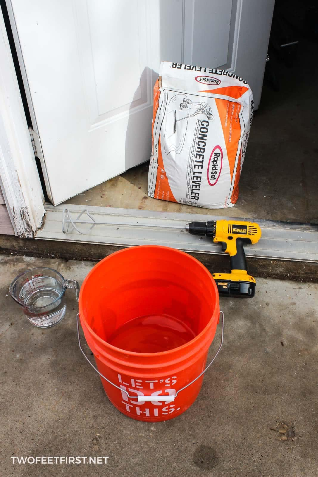 mix self-leveling concrete