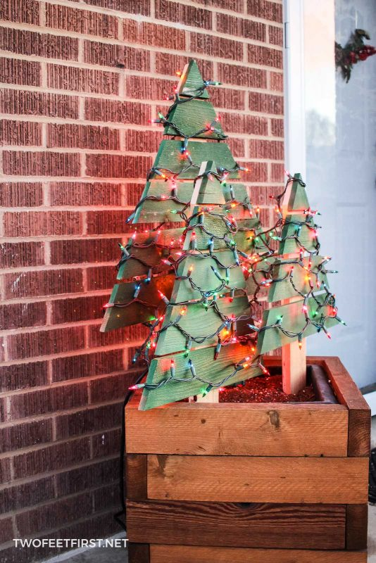 Diy Lighted Outdoor Christmas Tree