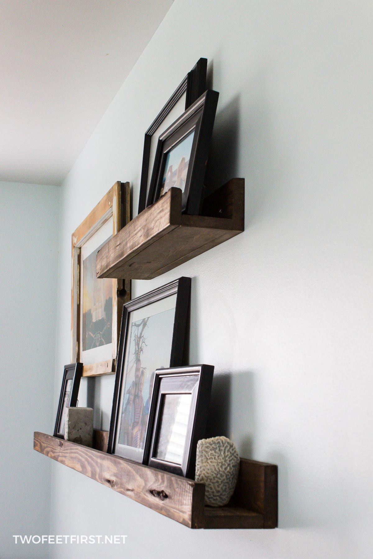 DIY picture shelf