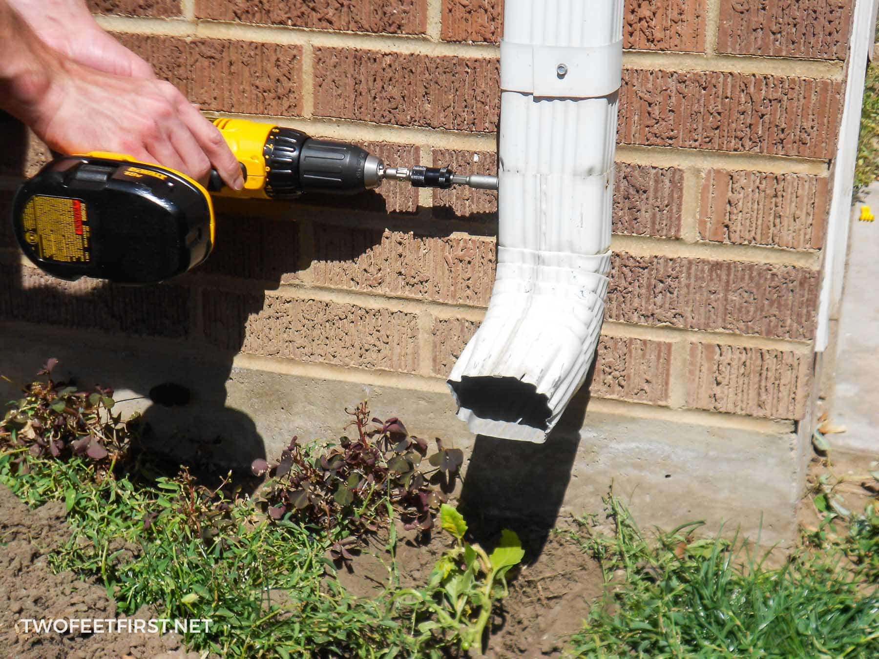 How To Attach A Gutter Downspout Mycoffeepot Org
