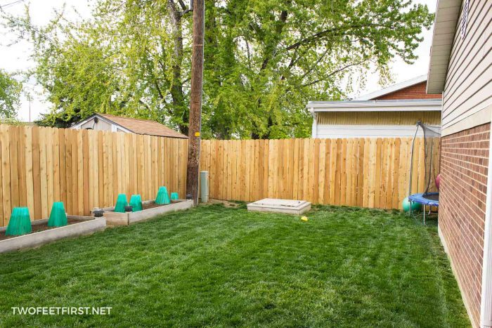 install cedar pickets for fence
