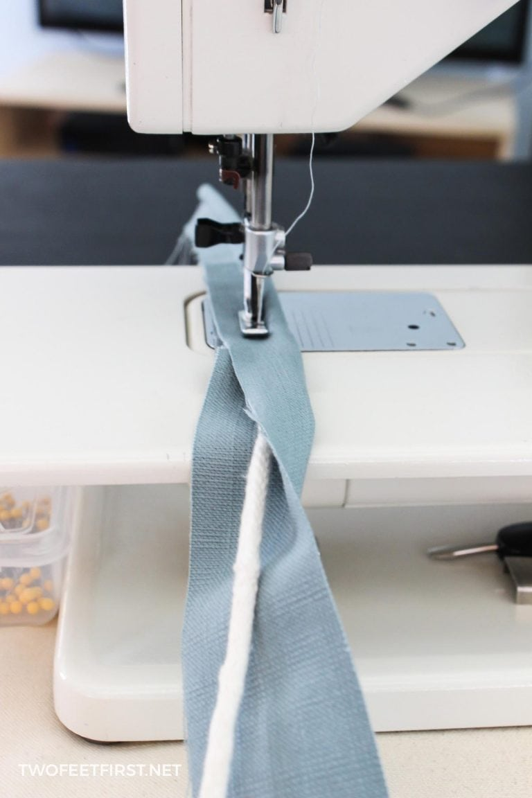 How to Make Piping for a Slipcover