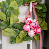 Easy Marbled Christmas Ornaments