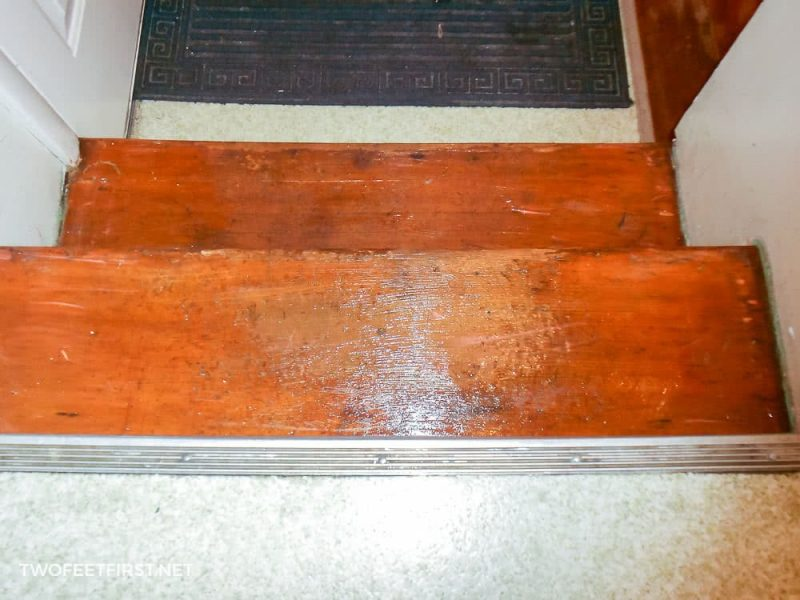 apply varnish remover to stairs