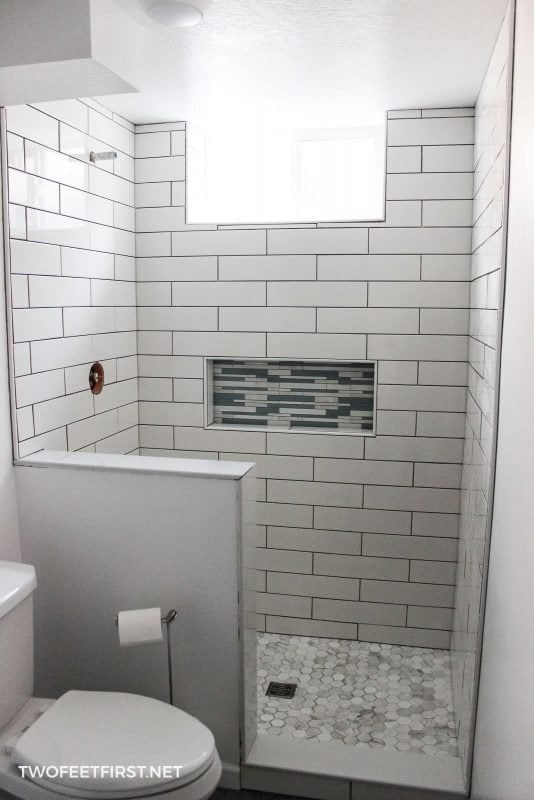 white tile after cleaning mortar away