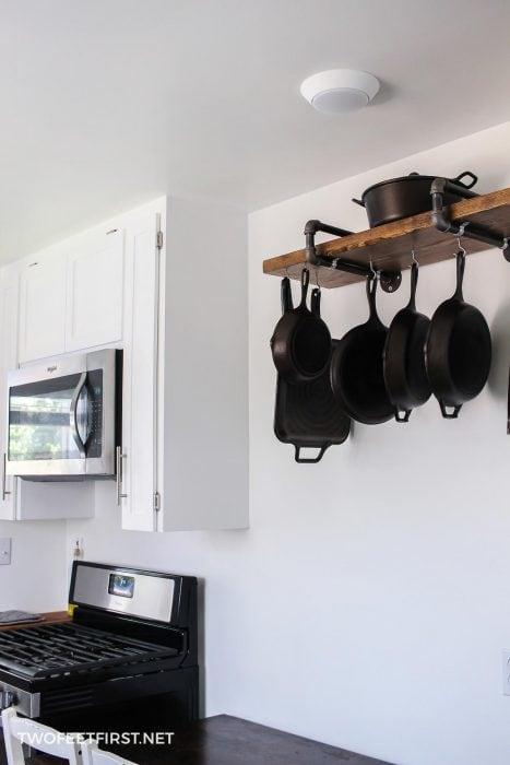 pan storage rack for kitchen